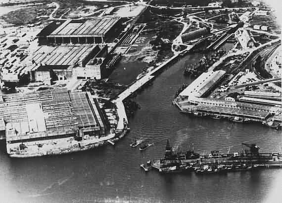 Base Sous-Marine de Kéroman et le port de pêche
